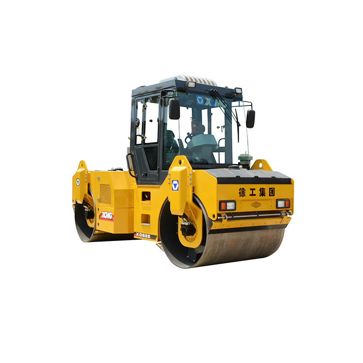 2017 XCMG 8ton manual vibratory road roller price xd82