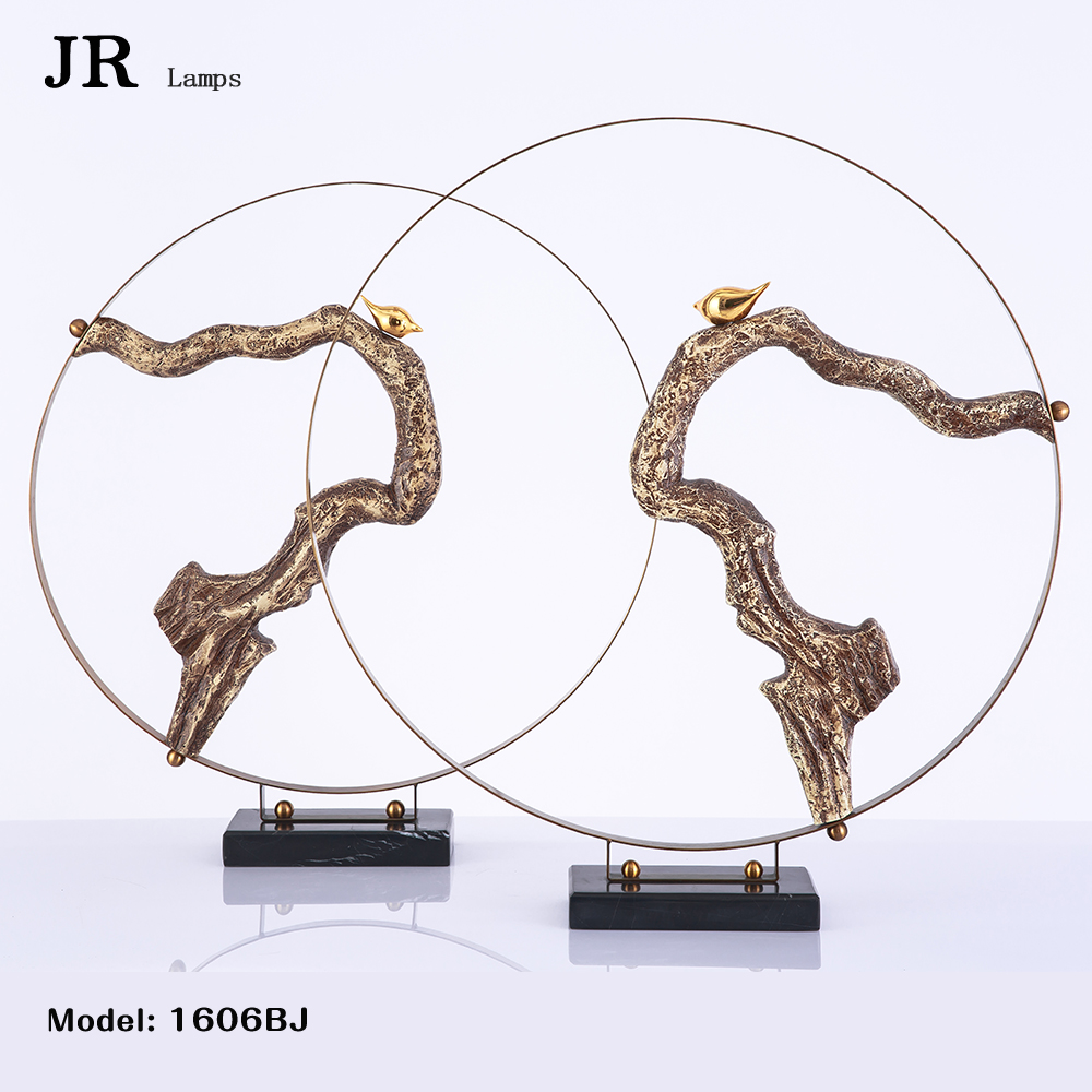 High quality paint metallic copper color high quality black marble resin simulation root carving golden resin bird home decor