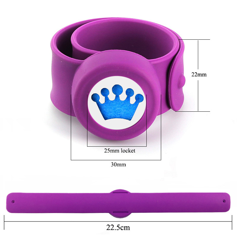 2019 New Arrivals Wholesale Custom Crown Pattern 316L Stainless Steel Diffuser Silicone Essential Oil Aromatherapy Bracelet