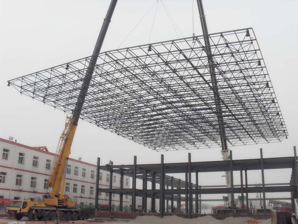 Aircraft hangar building space frame steel truss roof for Truss roof system
