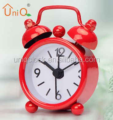 Hot Sale Cheap Giveaway Gift Metal Quartz Mini Desktop Alarm Clock,Portable Customize Print Dial Number Round Table Time Clock