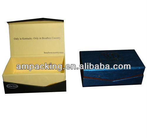 customized small luxury cardboard clamshell box with magnet