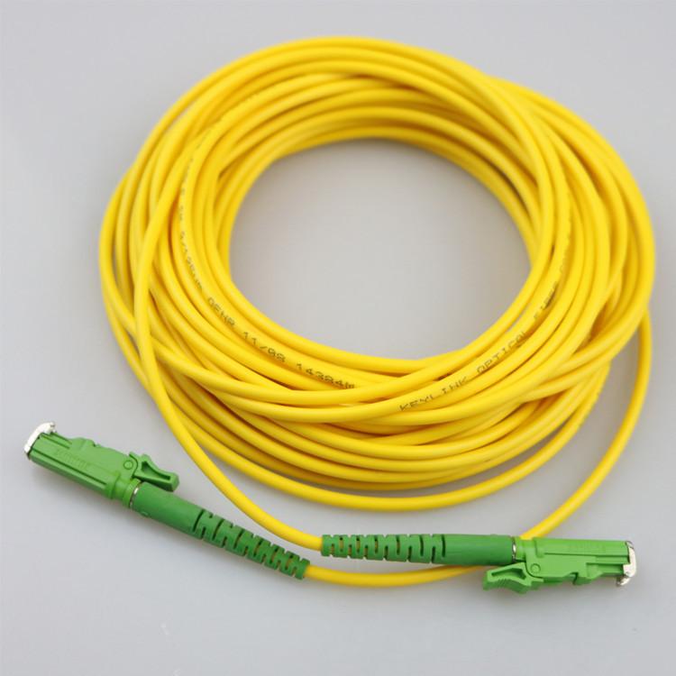 Cordón de remiendo de fibra óptica del E2000 Fibra Optica del equipo de fibra óptica monomodo 3m