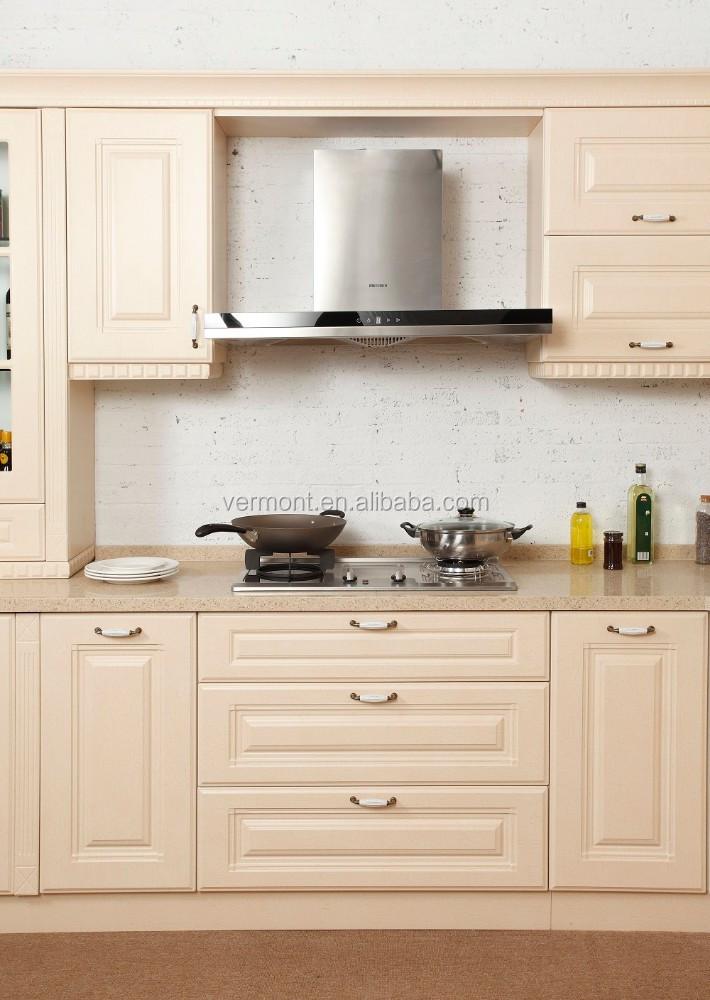 Bien con u projet pratique cuisine meuble moulures for Moulure armoire cuisine