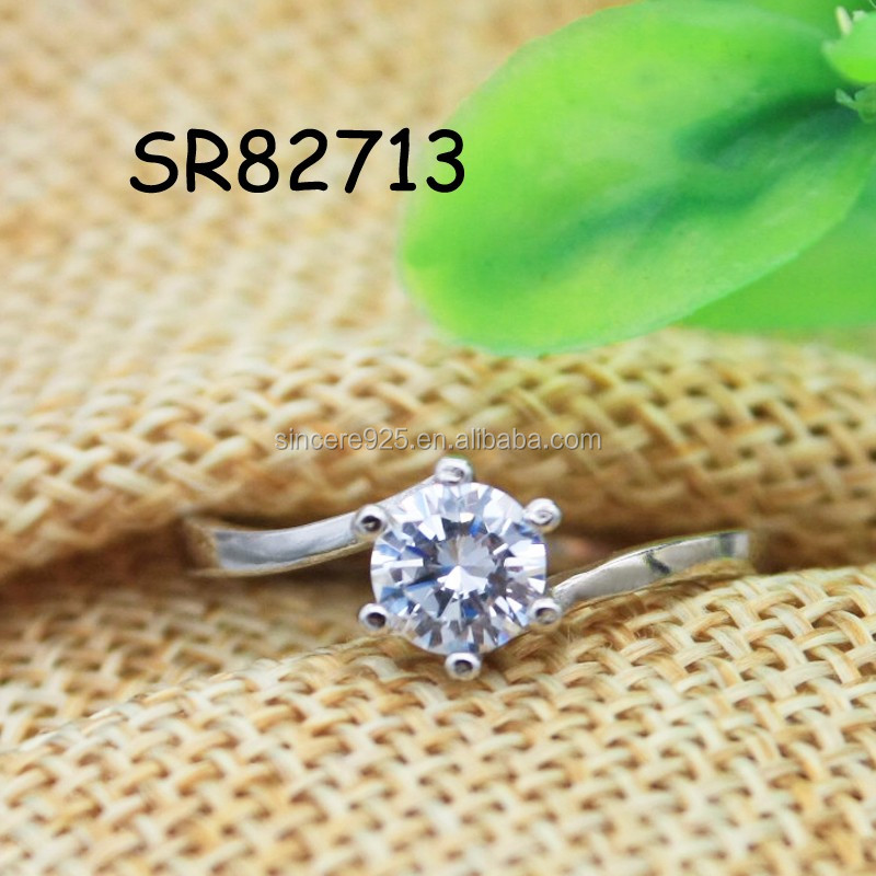 single c.z diamond ring in 925 sterling silver for girl friend