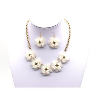 Popular Jewelry Acrylic Set Flower Design Necklace Bracelet Earrings Fashion Jewelry