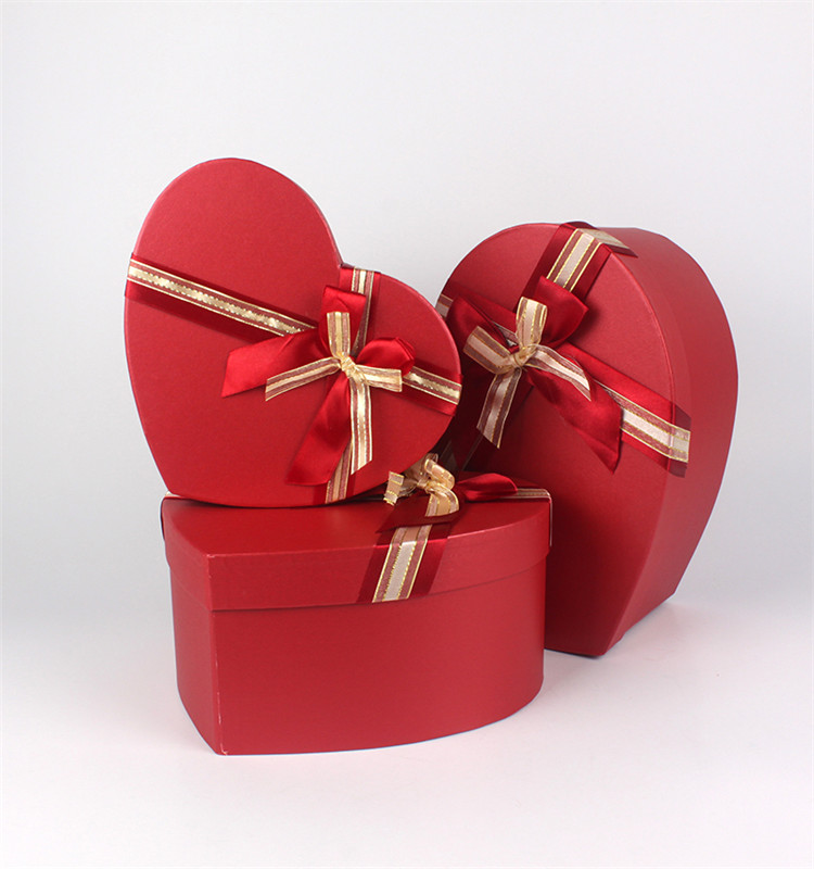 Custom large heart shaped gift packaging paper box