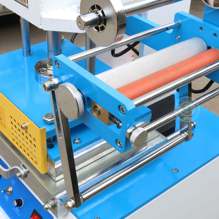 automatic sheet feed edge roll to roll hot foil stamping machine for plastic cosmetic jars