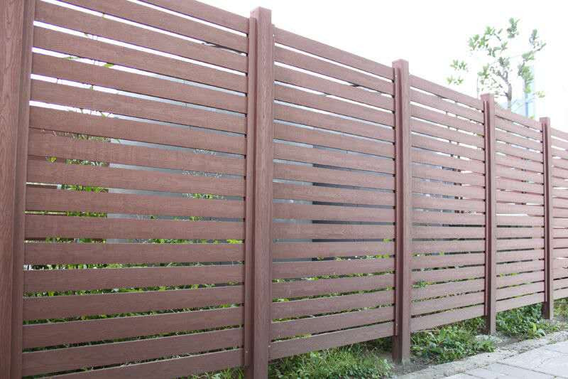Cheap price and high quality composite wood fencing wpc