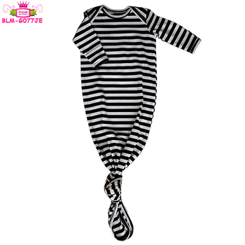 Newborn To 24 Months Sleep Gown Baby Boy And Girl Long Sleeve Knotted Black and White Stripes Gown With Fold Over Mittens