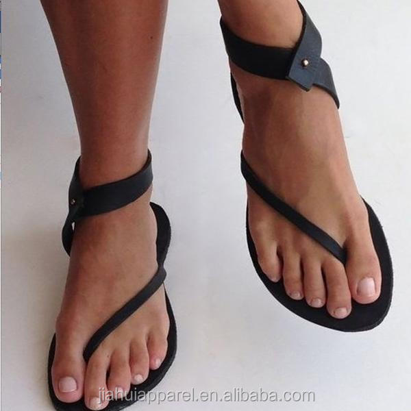 Wholesale summer <strong>sandals</strong> 2018 New Gladiator Black Fashion Flip Flops Ankle Wrap Shoes Ladies Flat <strong>Sandals</strong>