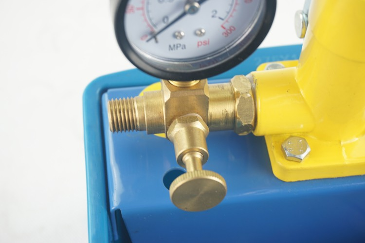 Low price manual hydraulic water pressure test pump with plastic water tank