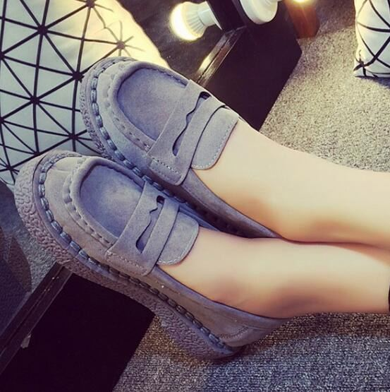 Hot selling fashion women pu leather casual shoes lady flat slip on shoes