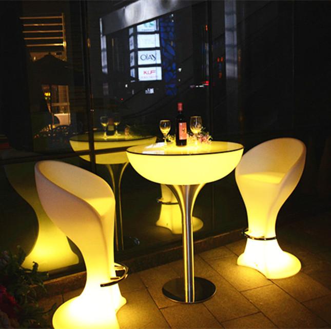 Cómodo diseño caprichoso colorido salón club nocturno cafetería ...