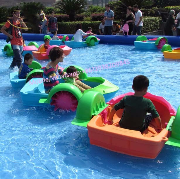 Pool floats water wheeler swimming pool kids hand paddle for Show parameter pool