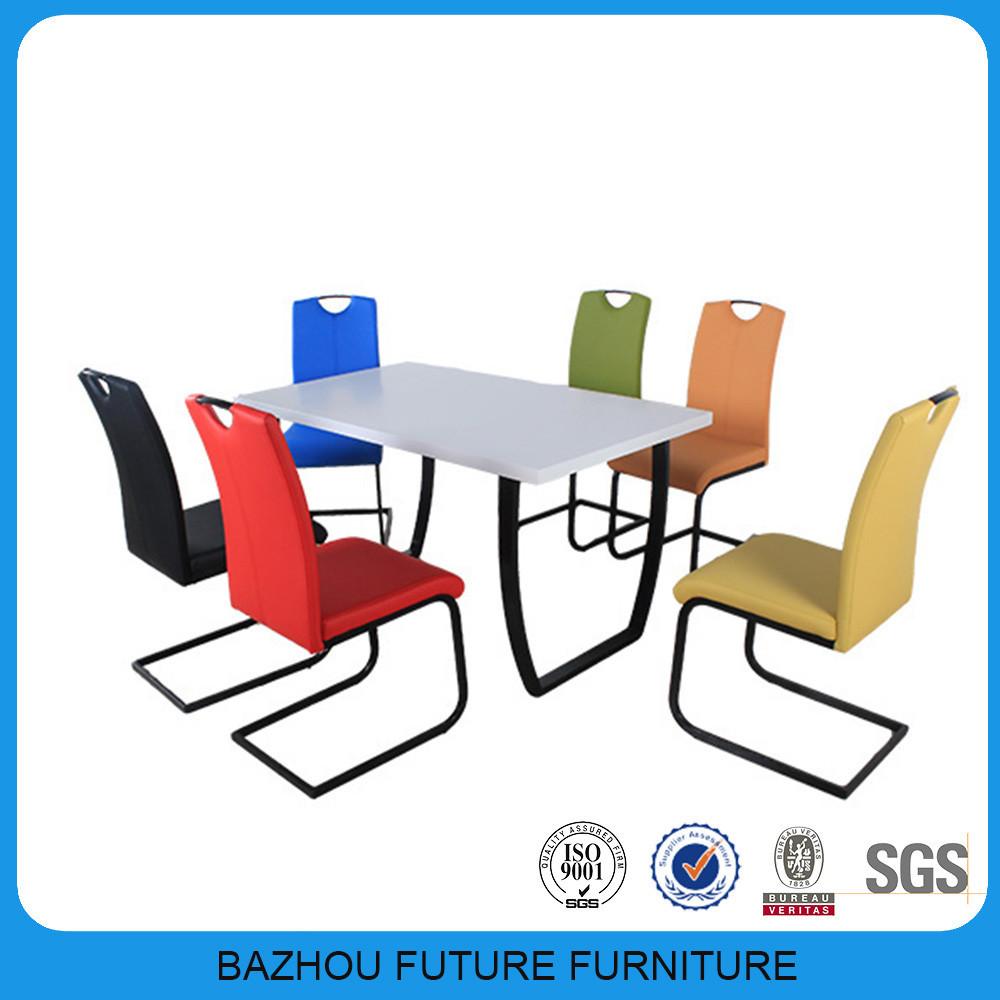 keukentafel en stoelen Images