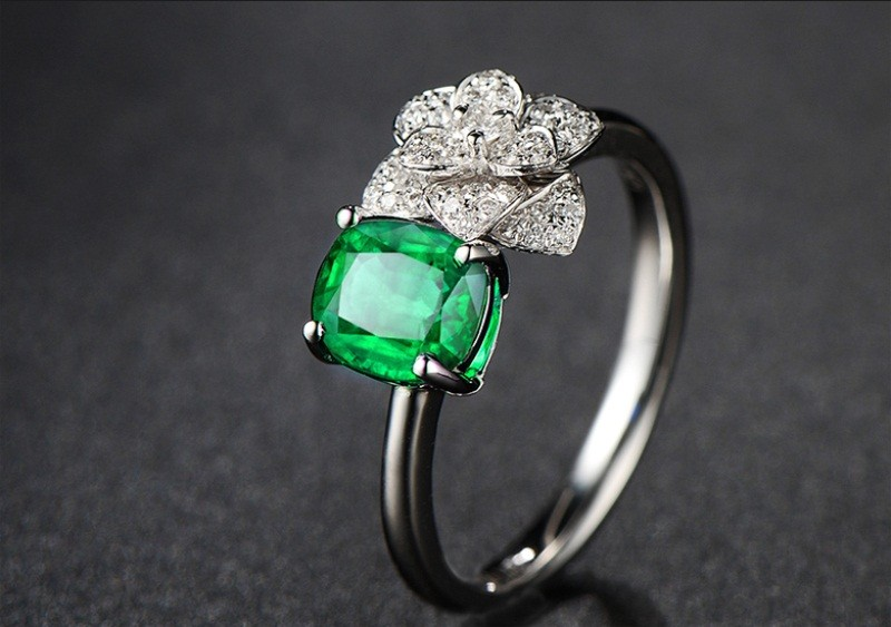 arabic engraved gemstone ring fine jewelry hot sale new trendy flower 18k gold 1.35ct natural stone green emerald ring for women