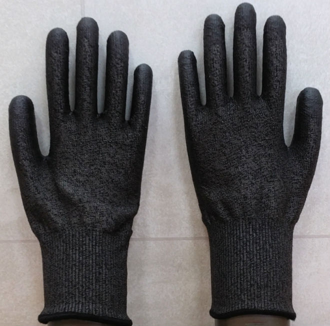 Cut-Resistant All Black PU Coated Glove(cut:5)