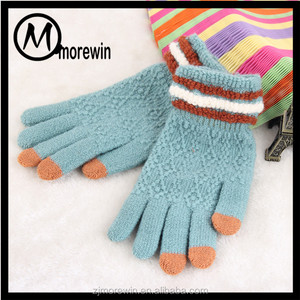 Morewin Brand Good sell wholesale soft cute winter touch screen gloves for women