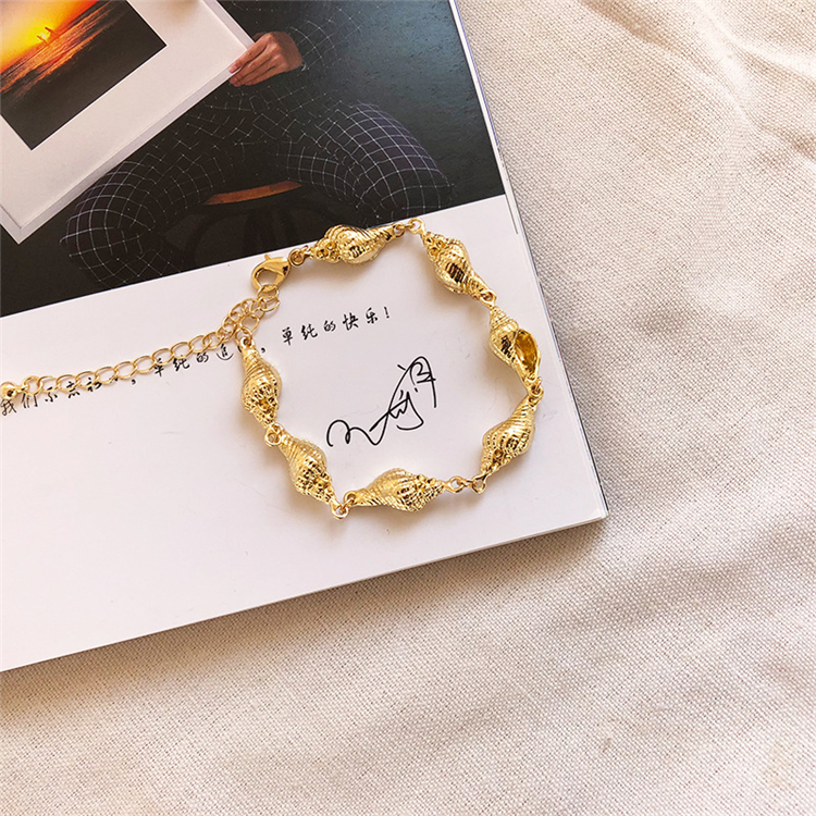 Hot Selling New Design Summer Beach Accessories Personalized Gold Plated Sea Shell Bracelet