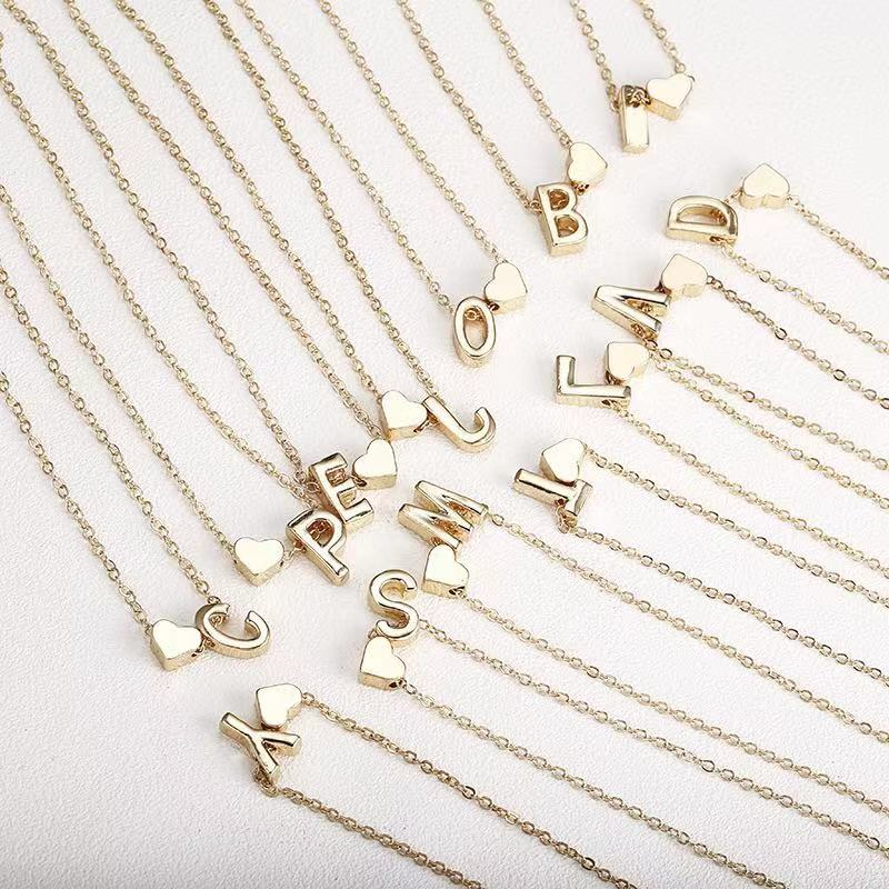 <strong>Fashion</strong> Loving 26 English Letters Necklace Creative Heart-Shaped Short Clavicle Chain