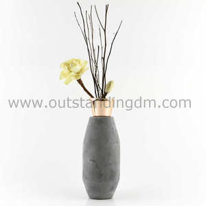 2018 home decoration elegant reed diffuser cement holder with electroplating glass vase and black nature reeds and sola flower