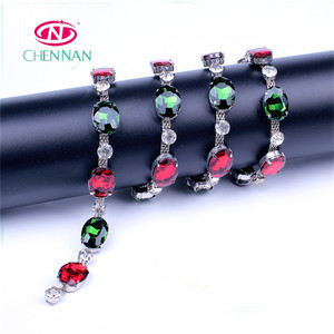 Red and green gem with diamond trimming roll cup chain rhinestone