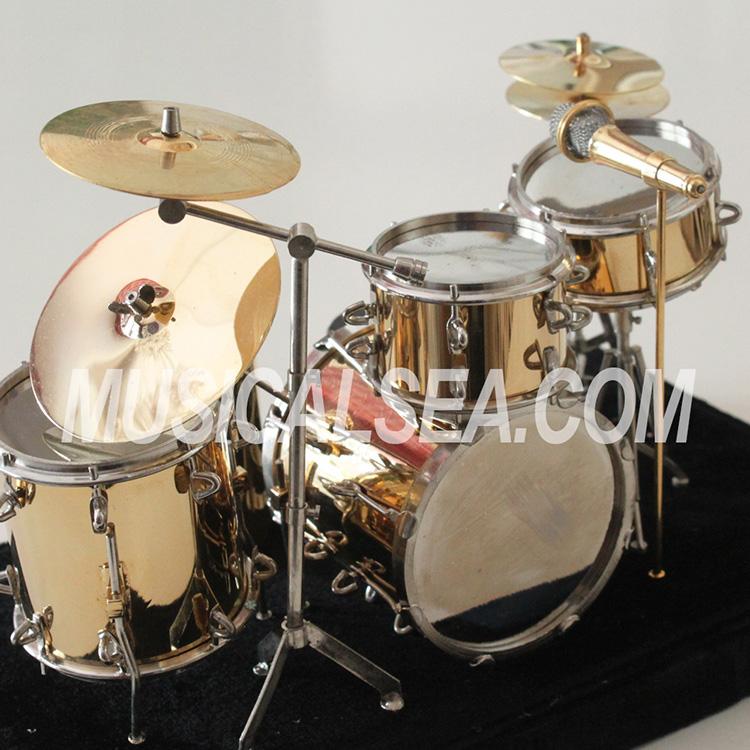 or miniature drum set / drum kit de décoration instrument de