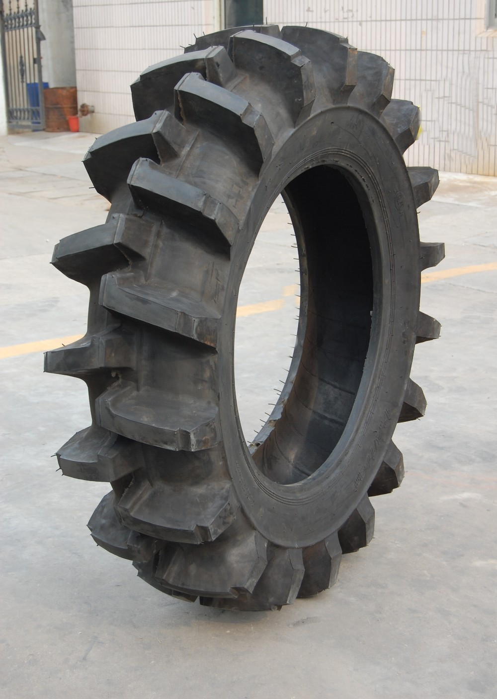 Agricultural tire 400 8 4PR tractor tire 600 14 6PR