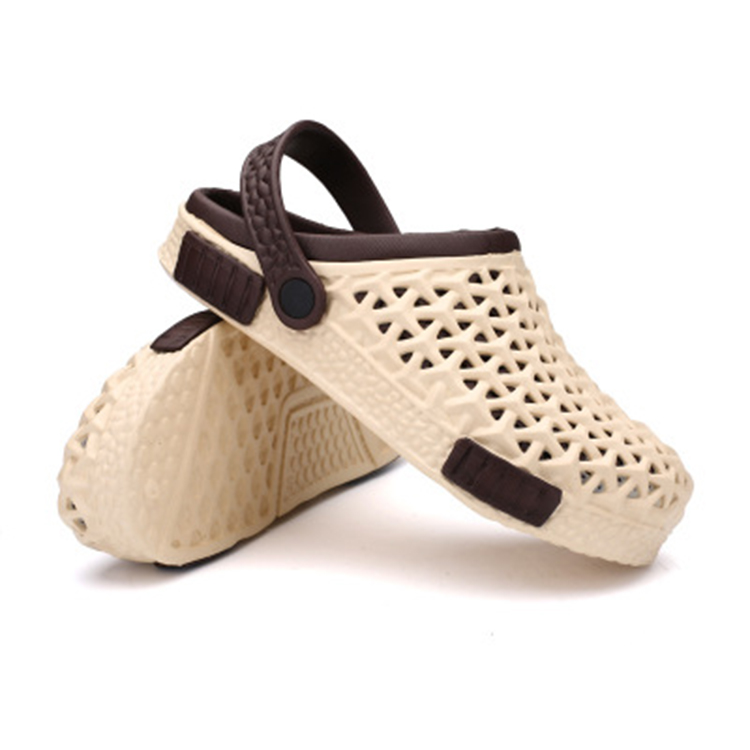 Ladies new fashionable sandals jelly shoes clogs for beach sand walking