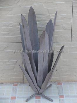 Handicrafts Wrought Iron Plant Figure Garden Outdoor Lawn Decor Metal Agave Sculpture Yard Art Green