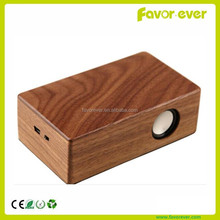 Natural wood mini speaker with audio line-in play for iphone samsung mobile phone