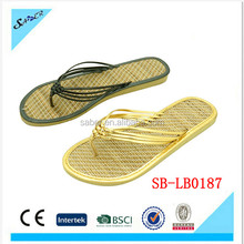 New design wholesale lady fashion souvenir Grass/Straw/bamboo flip flop