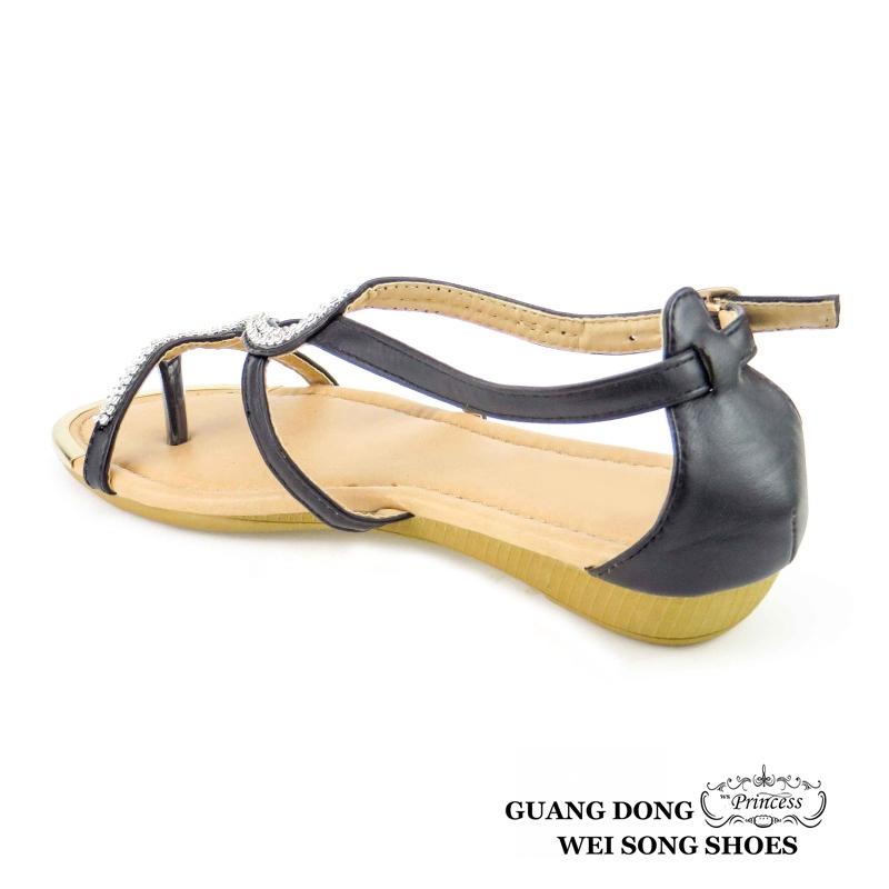 19b8f46aac4fc0 hot selling fashion pretty diamond flat ladies comfort flip flop women  sandals