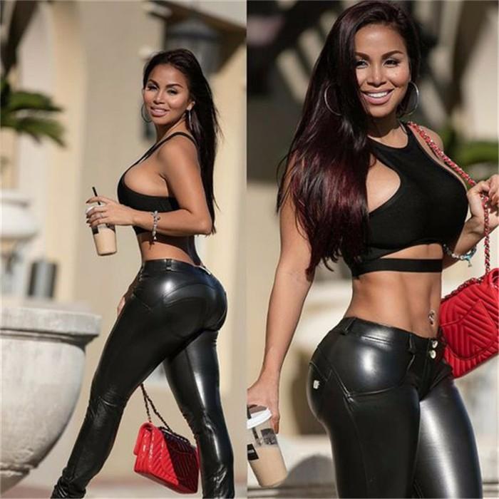Sexy ass latina sucking dick