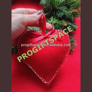 2018 hot sell Eco friendly Christmas Wool Felt valentine red heart Decorations in bulk made in China