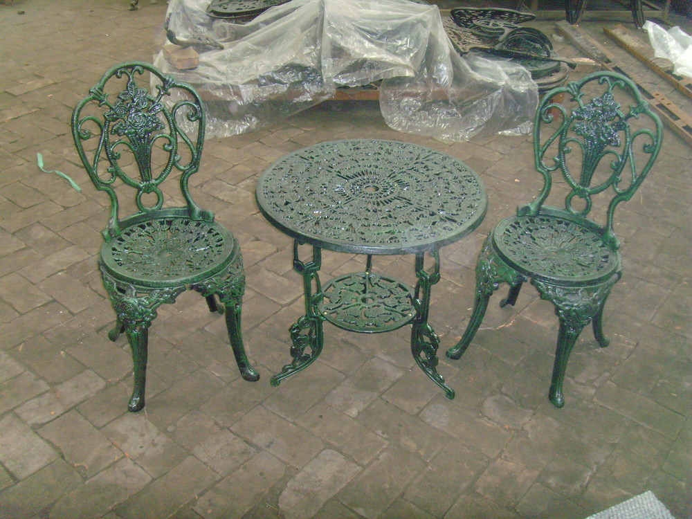 Alibaba China Gartenmöbel Gusseisen Freien Stühle Zum Verkauf ...