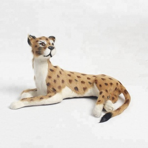 Beautifully Finished And Durable Leopard Figurrne Wild Animal Kingdom Artificial Leopard Toys
