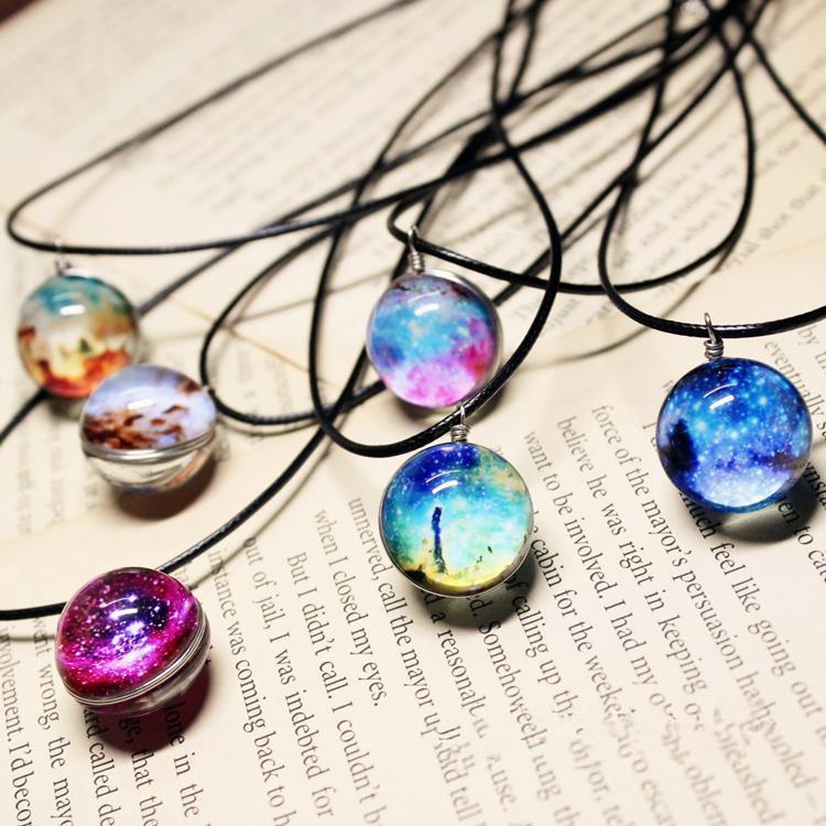Ожерелье дуплекс планета Harajuku звезды короткие стекло галактики картины ожерелья и кулоны макси ожерелье для Womem пара подруга