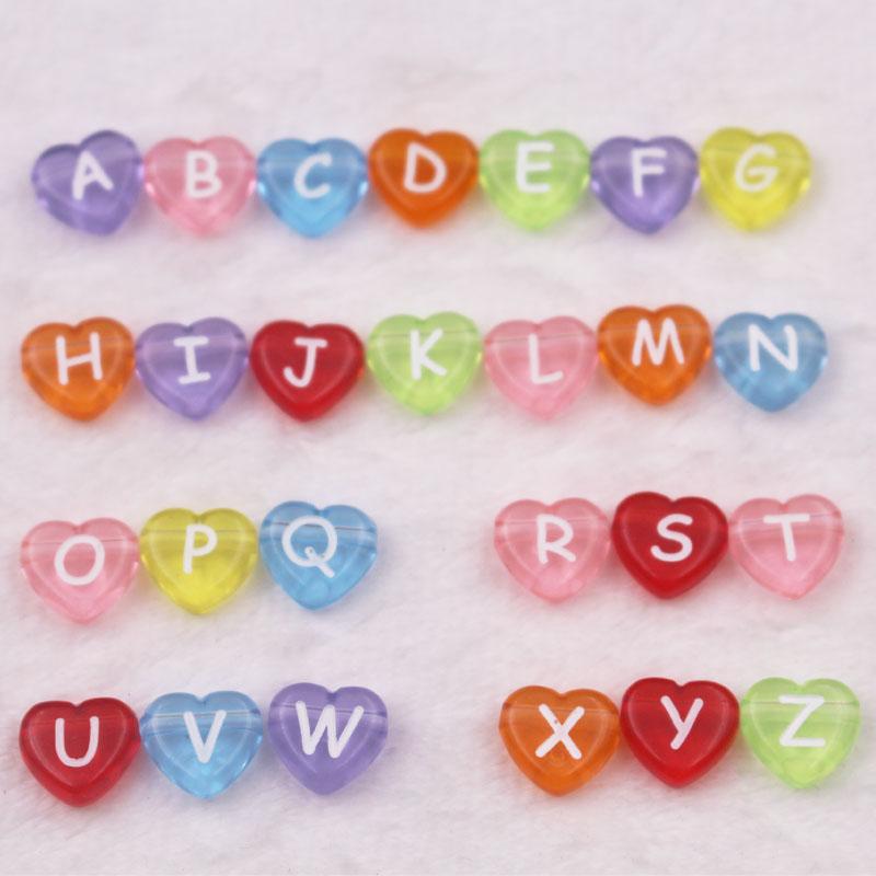 100 corazones de plástico acrílico perlas trazos pastel amarillo letras perlas 7mm k13
