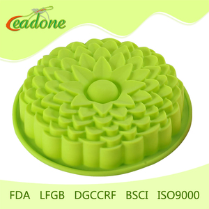 2018 Cheap and high quality lovely baby silicon cake mold with FDA LFGB approval