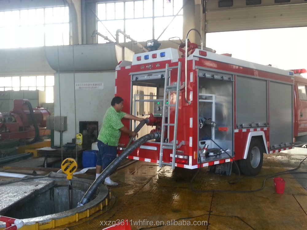 Top Hot Selling Hot Sale Diesel Emergency Rescue 4000L New Design Water Tank-Foam emergency lighting truck