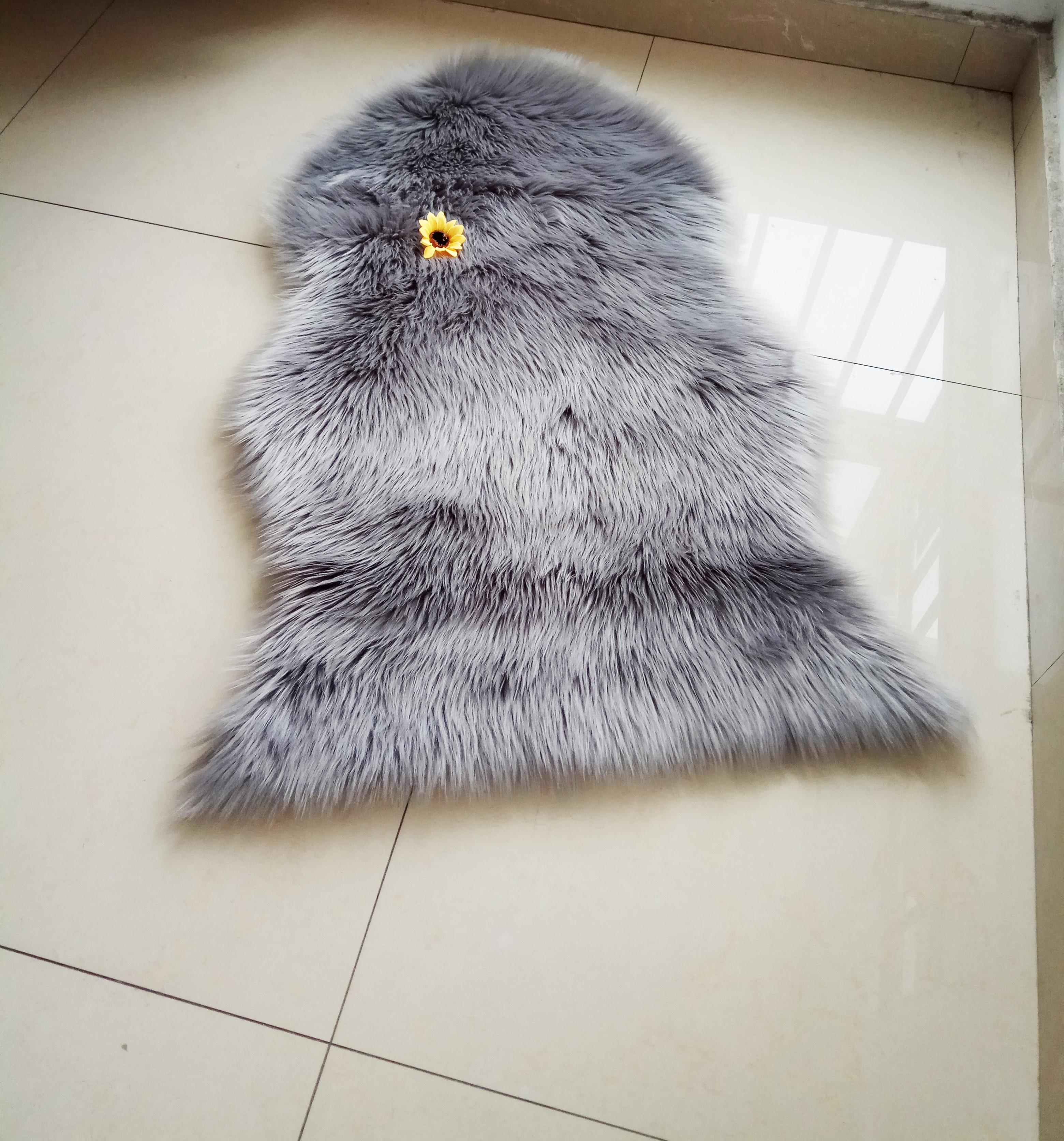 Wholesale Curly Long Hair Tibetan Mongolian Sheepskin Fur Rug Entertainment Memorabilia