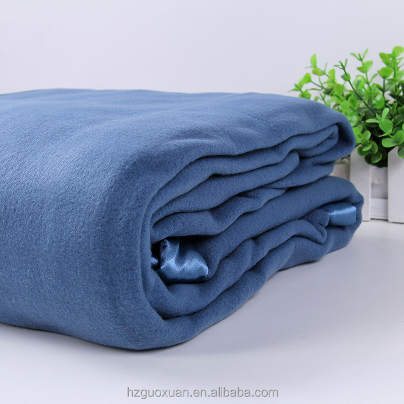 Promotional Luxury Hotel Polar Fleece Blanket with 5cm Satin Piping