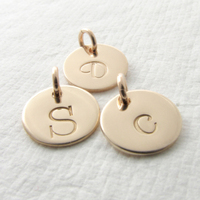 Deep engrave gold plated custom stainless steel wholesale initial charms