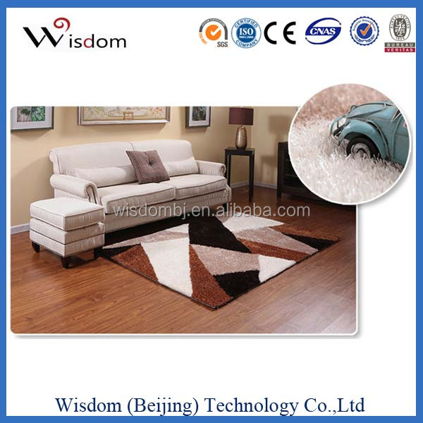 Durable rubber backed shaggy carpet tiles