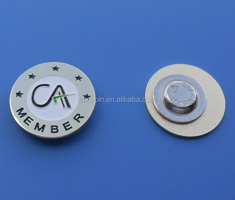 CA member clut pin badge