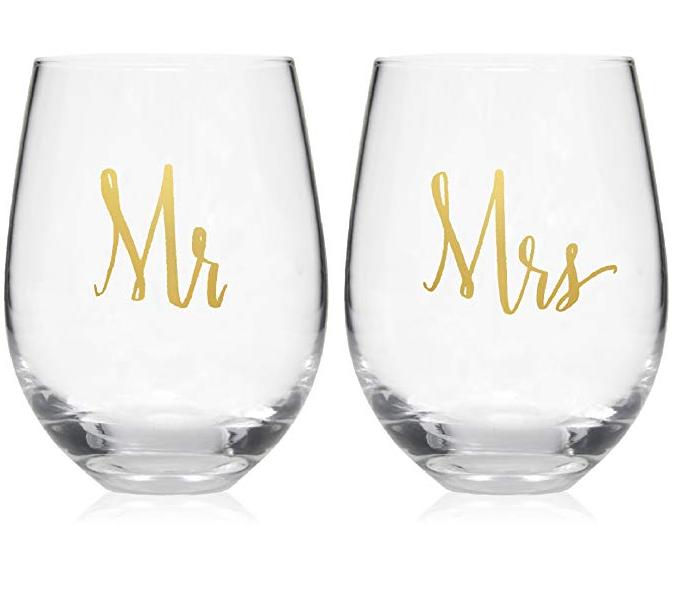 Mr and Mrs Wine Glasses Set of 2 Wedding Gifts Box Gift Wine Glasses Set