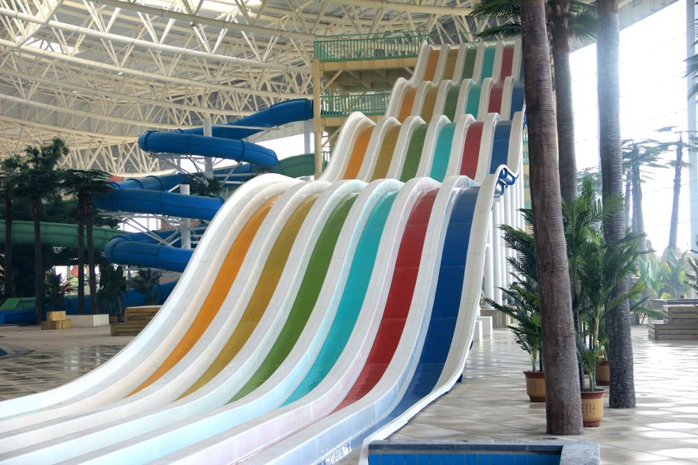 Qingfeng 2017 carton fair classic rainbow racing slide large water slide giant i