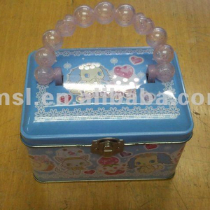 Lunch Box with Beads Handle